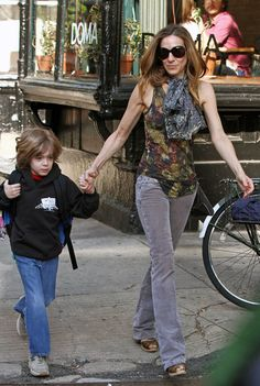 Sarah Jessica Parker Photo - Sarah Jessica Parker Walks with Her Son 2