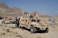 http://3.bp.blogspot.com/_juYRgk4Y3Nc/SntCSKMd5GI/AAAAAAAAAiY/M_yrmVigrHg/s400/Humvee_US_Army_news_01102007_001.jpg
