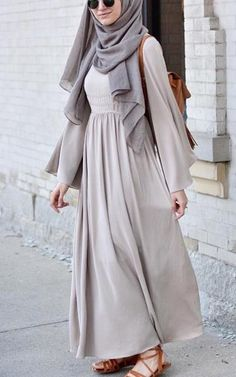 Modest Fashion Top Pick for Hijab Outfit Inspiration, with pastel color. Simple and casual Hijab style. Abaya Fashion, Muslim Fashion, Modest Fashion, Fashion Outfits, Fashion Muslimah, Islamic Fashion, Emo Fashion, Fashion Fashion, Fashion Women