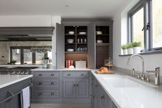 Walton Barn Project - Humphrey Munson Kitchens Open Plan Kitchen Diner, Open Plan Kitchen Living Room, Kitchen Dining, Kitchen Furniture, Kitchen Interior, Kitchen Extension Layout, Kitchen Images, Kitchen Ideas, Kitchen Seating