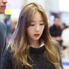 via | gg_taeny_ss #taeyeon #taengoo #snsd #airportfashion