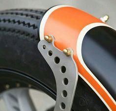 Fender Strut