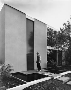 jonasgrossmann:  julius shulman… killingsworth, brady & smith case study house 25, long beach ca, 1962 @ primo