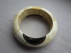 VINTAGE CARVED BUFFALO HORN NATIVE BRACELET BANGLE