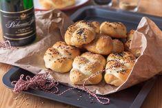 PLETÝNKY ZADĚLANÉ SEKTEM - Inspirace od decoDoma Pretzel Bites, Bagel, Bread, Cheesecake, Brot, Cheesecakes, Baking, Breads, Buns