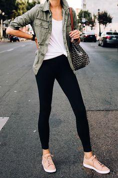 White tshirt black leggings nike sneakers beige goyard large tote fashion j Pink Shoes Outfit, Sneakers Outfit Casual, Black Dress Outfits, Cute Casual Outfits, Stylish Outfits, Black Tshirt Dress Outfit, Sneaker Outfits, Utility Jacket Outfit, Green Utility Jacket