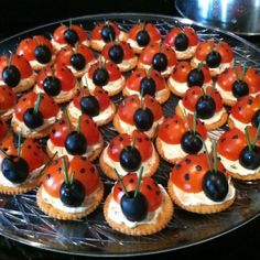 Kids Party Platter Ladybird Tomato and Olive Platter Kids Party Platter. - Kids Party Platter Ladybird Tomato and Olive Platter Kids Party Platter Ladybird Tomato an - Party Platters, Food Platters, Fruit Party, Snacks Für Party, Bug Party Food, Party Games, Cute Food, Good Food, Snack Recipes