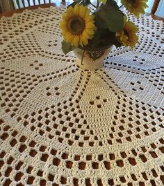 Ready to ship. This beautiful handmade large table cover/ doily is crocheted in a Star Center design. A decorative round shape for a classic minimalist look. Crochet Doily Rug, Crochet Tablecloth, Crochet Round, Crochet Applique Patterns Free, Crochet Flower Patterns, Free Crochet, Crochet Table Topper, Crochet Table Runner, Crochet Freetress