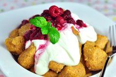 Gnocchi zo sladkých zemiakov s tvarohovým prelivom a malinami - FitRecepty Sweet Recipes, Healthy Recipes, Gnocchi, Stevia, Tofu, French Toast, Ricotta, Good Food, Gluten Free