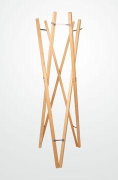 Wir ♥ Holz! Design Standgarderobe für einen stilvoll, modernen Flur und Diele.  ✓hochwertiges Holz  ✓ beste Qualität  ✓einfach und bequem online bestellen