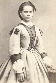 1860s Stunning Woman Outstanding Dress Germany CDV   eBay