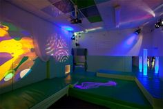 A quiet room with low light may be ideal for someone who is hypersensitive to sound and light