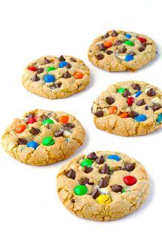 MEGA M&M Chocolate Chip Cookies with marshmallows | recipe via sweetestmenu.com