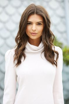This Weeks Celebrity Beauty Inspo: Emily Ratajkowski's nude lip + perfect tousled waves