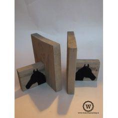 Steigerhouten boekensteunen met paarden