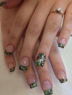 Camo nail paint