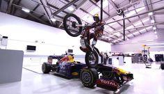 Una moto de trial en las instalaciones de Red Bull - Planeta de Aficiones