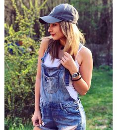 Wupsz? Overall Shorts, Pretty People, Youtubers, All In One, Overalls, Nike, Animals, Outfits, Women
