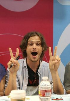 Matthew Gray Gubler of CRIMINAL MINDS during the CBS Booth signing at Comic-Con Get premium, high resolution news photos at Getty Images Spencer Reed, Dr Spencer Reid, Spencer Reid Criminal Minds, Criminal Minds Cast, Matthew Gray Gubler, Dr Reid, Crimal Minds, Matthew 3, Raining Men