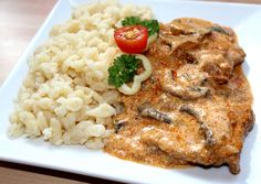 Bakonyi sertésszelet recept foto Risotto, Grains, Rice, Chicken, Ethnic Recipes, Food, Red Peppers, Essen, Meals