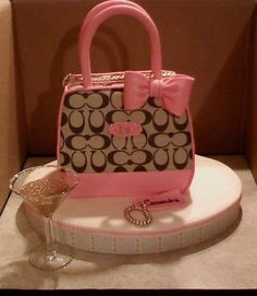 Handbag Cakes Online Decorating Class Learn How To Make Purse Cake in Designer Handbag Cakes, on Craftsy!Learn How To Make Purse Cake in Designer Handbag Cakes, on Craftsy! Coach Bags Outlet, Cheap Coach Bags, Coach Purse Cakes, Coach Purses, Coach Handbags, Unique Cakes, Creative Cakes, Creative Food, Creative Ideas