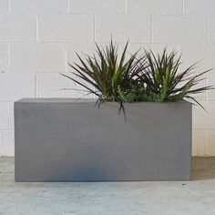 The Swooner Planter Seat is a modern planter fit for indoor and outdoor use with the added bonus of a seat Landscaping With Rocks, Modern Landscaping, Backyard Landscaping, Modern Planters, Indoor Planters, Planter Pots, Landscape Design, Garden Design, Top Soil