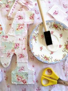 DIY Shabby Chic Decoupaged Monogarm (super easy tutorial)