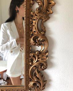 White & gold 🕊