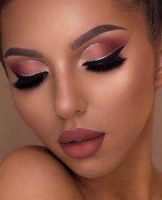 Hooded Eye Makeup – Great Make Up Ideas Makeup Eye Looks, Eye Makeup Art, Full Face Makeup, Smokey Eye Makeup, Cute Makeup, Pretty Makeup, Skin Makeup, Eyeshadow Makeup, Glamorous Makeup