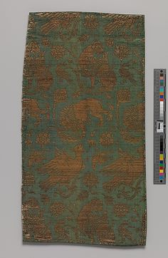 Textile    Date:      late 14th–early 15th century  Geography:      Made in, Venice (probably), Italy  Culture:      Italian  Medium:      Silk, metal thread; twill and twill; silk, gilt membrane on linen.