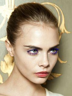 Blue velvet  Párpados y pestañas que invocan un mismo color: la tendencia es llevar la mirada azul