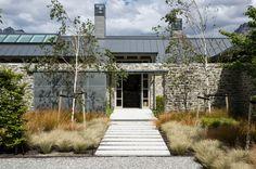 Closeburn House by Sumich Chaplin Architects Garden Landscape Design, Landscape Architecture, Modern Landscaping, Garden Landscaping, Patio, Backyard, Cities, Tadelakt, Outdoor Living
