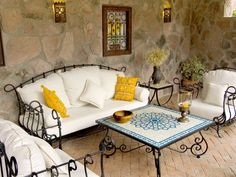 How to decorate your home with wrought iron furniture? Decorating with wrought iron furniture is always a great idea, because this type of furniture is never Iron Patio Furniture, Living Room Furniture, Home Furniture, Furniture Design, Furniture Ideas, Sofa Design, Home Design Decor, House Design, Home Decor