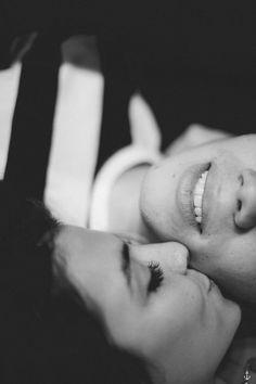 couple photography / session / love / ensaio de casal em casa / lifestyle…