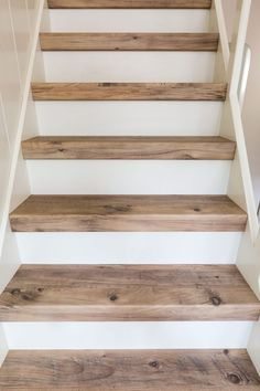New Ideas For Basement Stairs Diy Staircase Remodel Stairways Casa Petra, Stair Renovation, Stair Makeover, Basement Makeover, Basement Stairs, Basement Ideas, Entryway Stairs, Basement Bathroom, Paint Stairs