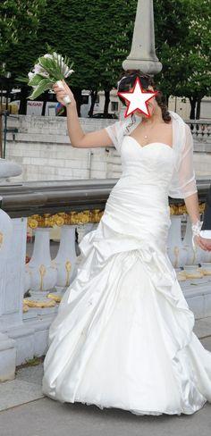 ... occasion à Paris  Robes de mariée et articles de mariage doccasion