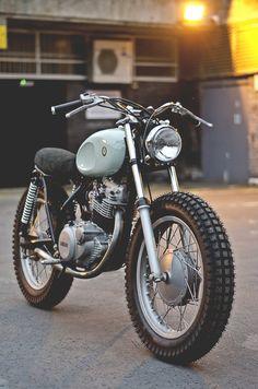 front end – Autos Honda Scrambler, Scrambler Motorcycle, Street Scrambler, Motorbike Cake, Motorbike Design, Retro Motorcycle, Honda Xl, Enduro Vintage, Vintage Bikes