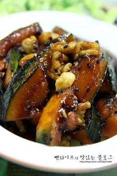입에 살살 녹는 견과류 단호박조림 : 네이버 블로그 Cooking Recipes For Dinner, Easy Cooking, No Cook Meals, K Food, Food Menu, Banchan Recipe, Best Korean Food, Korean Side Dishes, Asian Recipes