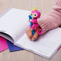 This is Bella. She is cute and super friendly. She has a big heart and expresses her feelings with her sweet monkey babble.   Get your fingerlings at retrobonus.com #Fingerlings #Monkey #FingerMonkey #Toys #Fun #Cute #MomLife #Kids #Christmas #Awesome