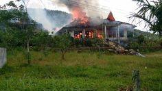 Paviliun Keluarga Raja Inal Siregar Terbakar