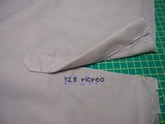 Come si lavora lo spacco nella manica di una camicia o di una giacca - YouTube Refashion, Videos, Couture, Patterns, Studio, Scrappy Quilts, Creativity, Bags, Block Prints