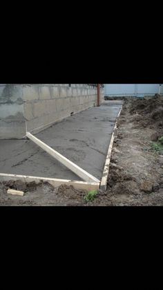 waterproof basement old houses Wet Basement, Basement Windows, Basement Waterproofing, Backyard Projects, Outdoor Projects, Restoration House, Garage Plans With Loft, Garage Solutions, Drainage Solutions