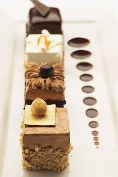 Petit four--design