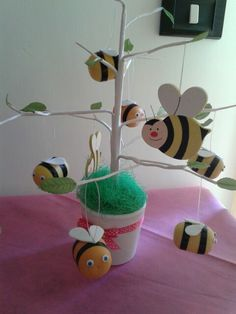 Bee party - party ape maia - bumblebee party - sweet table yellow