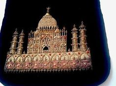 ANTIQUE-HAND-EMBROIDERED-GOLD-WORK-TAJ-MAHAL-HAND-EVENING-BLACK-VELVET-BAG