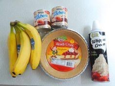 Caramel Banana Pie-- Ingredients oz cans Dulce De Leche* 1 graham cracker crust fresh bananas Whipped Topping Banana Caramel Pie, Banana Pie, Easy Banoffee Pie, Graham, Yummy Treats, Sweet Treats, Banana Recipes, Food Plating, Let Them Eat Cake