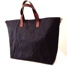 The perfect black everyday bag, for work, gym, shopping Leather Bags, Leather Handle, Shopper Tote, Tote Bag, Everyday Bag, Handmade Bags, Shopping Bag, Gym Bag, Paper