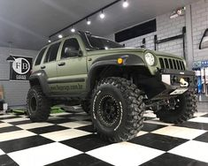 JEEP CHEROKEE LIBERTY 2005 MUITO BEM PREPARADA | Feirão 4x4 - Classificados 4x4 Jeep Willys, Jeep 4x4, Jeep Cars, Off Road Jeep, 4x4 Off Road, Nissan Frontier 2005, Jeep Liberty Lifted, 2006 Jeep Liberty, Jeep Cherokee