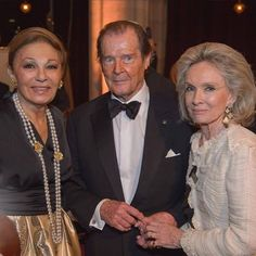 H.I.M. Farah Pahlavi recipient of this years' Hope Award at The Look! Women of the Year Awards, Vienna November 17, 2015