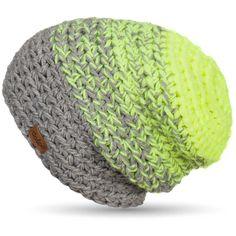 Vyzbrojte se parádně hřejivou čepicí a ochraňte si uši před vlezlou zimou! Stylová čapka od české značky DOKE (ach ♥) vás nejen zahřeje ve dnech toho největšího mrazu, ale navíc okoření každý váš outfit. Je totiž barevná, trochu ulítlá, ale hlavně pořádně správňácká. Čepice je podšitá úpletem ThermoCool, která pomáhá lépe regulovat teplotu. Předchází tak k přehřátí, ale i zamrznutí mozkoven. A navíc vás čepice nebude kousat! Knit Crochet, Crochet Hats, Quick Knits, Diy Crafts, Knitting, Womens Fashion, Projects, Scarfs, Winter Time